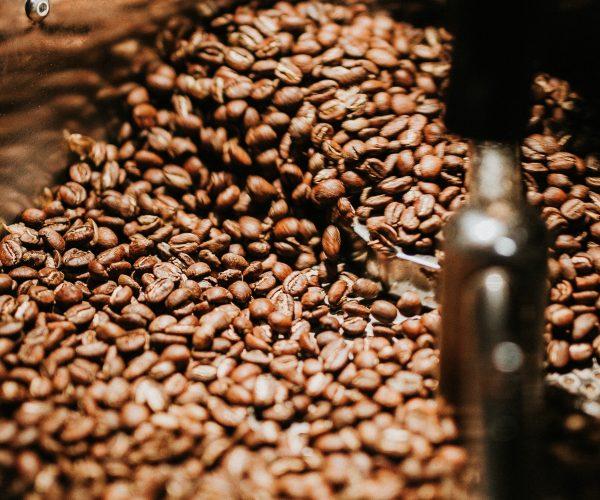 beans-black-coffee-caffeine-894695-e1539704499469